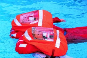 Schwimmwesten mit Spraycap